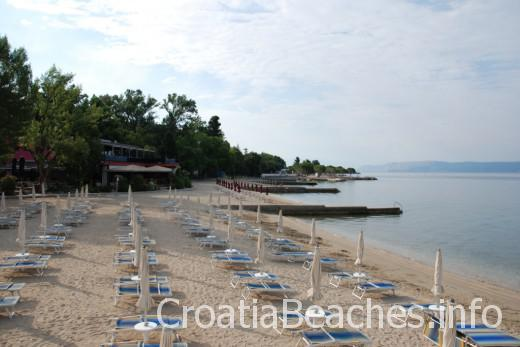 Crikvenica town beach south